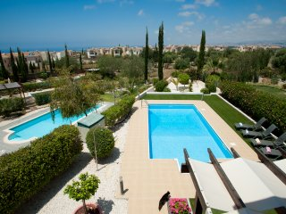 Villa Cherry- a Luxury 3 Bed Villa with pool