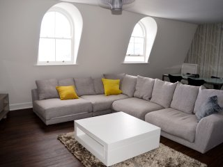 7, 1 Elliot Terrace sleeps 4-6, Plymouth