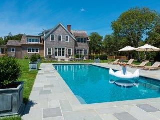 NAIDN - Exclusive Luxury Home, Heated 18 x 42 Gunite Pool,  Spectacular Patios,