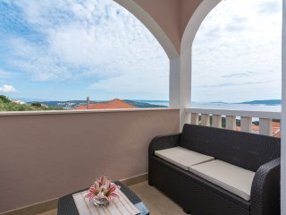 4 Star apartment with amazing view, Seget Vranjica