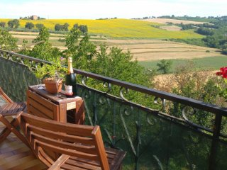 Apartment with balcony and stunning Umbrian views, Province of Perugia