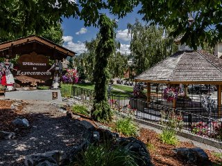 Cozy, dog-friendly retreat w/ an awesome location near the Bavarian Village!, Leavenworth