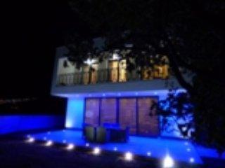 Three Bedroom Vila Martina with Fabulous Sea View, Smrika