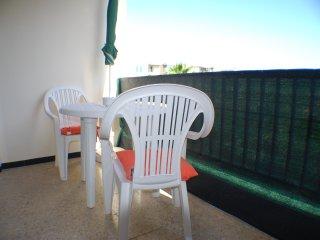 DORADO ESTUDIO PARA VACACIONES EN LAS AMERICAS, Playa de las Americas
