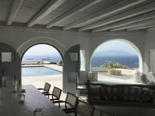 5 BEDROOM VILLA WITH FANTASTIC SUNSET VIEW, Ornos