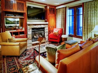 3 Bedroom - PENTHOUSE - Aspen