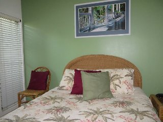 Kaha Lani #115, Ocean View, Ground Floor, Steps to Beach, Free Wifi & Parking, Lihue