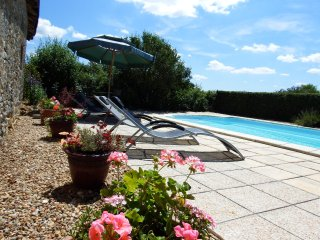 La Petite Ecurie, country cottage, private pool