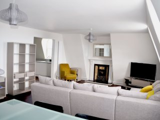 Captain Scott Penthouse (7) - Captain Scott Penthouse - unrivalled location on P