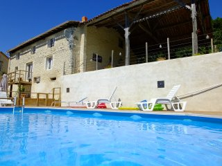 Les Hirondelles, Stunning gite with private pool., Montmoreau-Saint-Cybard