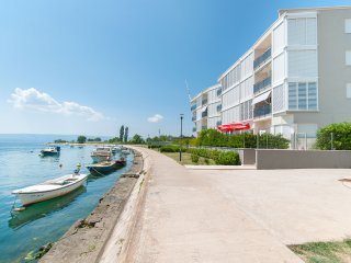 AP 4+2 in one of the most luxury building in Omis