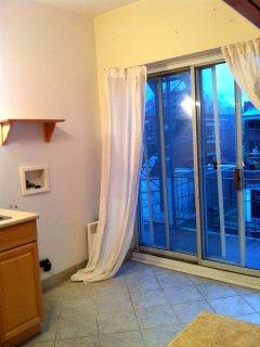 Kitchen / Balcony