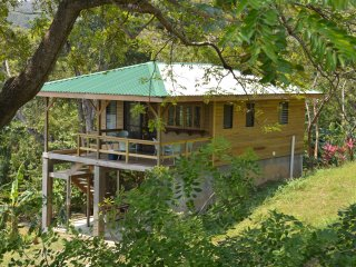 Casita Iguana Verde Where the Jungle Meets the Sea