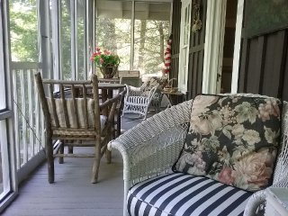 Charming Lake Junaluska Cottage
