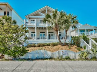 New!!  Directly Across from the Gulf with Views!, Destin