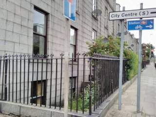5 bedroom house in city centre parking & garden, Aberdeen