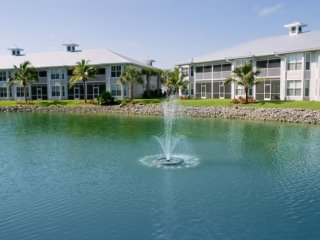 Beautiful, spacious 3 Bed 2 Bath condo!, Naples