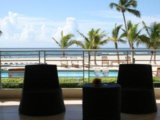 Beach Front. Best View 2/2 Apartment, Juan Dolio