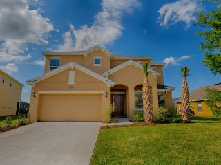 Brand New Luxury 6 Bed/5 Bath Villa, near Disney