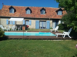 La Lavande Semi-Detatched Stone Cottage, within walking distance of Montignac.
