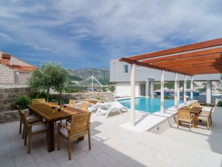 Villa Diana with Swimming Pool : Apartment Ivo