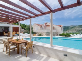 Villa Diana with Swimming Pool: Cozy apartm. Diana