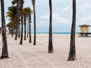 Hollywood Beach Towers, Ocean Front! Luxury Condos NOW 10% OFF SPRING BREAK!