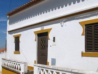 Falcon's Nest, Redondo