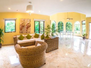 3 Bedroom Penthouse with Garden and Golf Course Views, Playa del Carmen