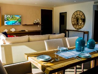 Spectacular Penthouse Property with Hot Tub in a resort community, Playa del Carmen