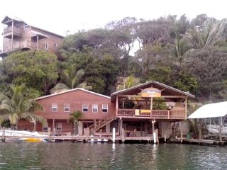 Casa Grande en Jonesville Point Marina, East End