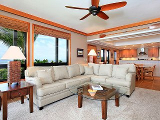 Unit 30 Ocean Front Prime Luxury 3 Bedroom Condo, Lahaina