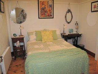 Art Deco Comfort - Cosy Budget Room, Wodonga