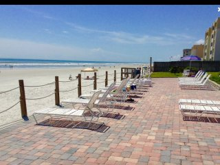 Prestine Direct Ocean Front Walkout 2/2 - SEACOAST - 1st floor - No Drive Beach, New Smyrna Beach