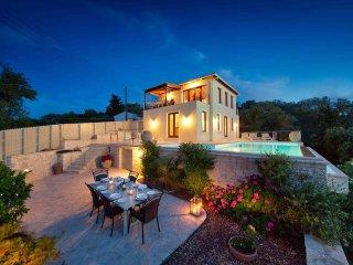 Florian Villa with Fabulous Sea Views, Paxos