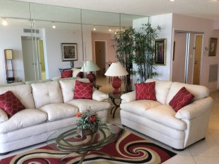 Bal Harbour Florida - Condo on the beach