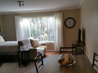 Brand New Apartment Near Downtown!, Redwood City