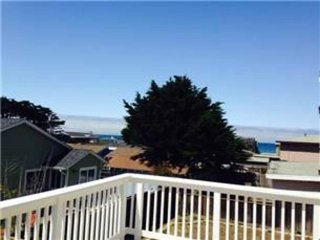 BEAUTIFUL 1 BEDROOM APARTMENT WITH OCEAN VIEWS, Pacifica