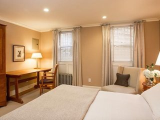 Furnished 2-Bedroom Apartment at Clinton St & Schermerhorn St Brooklyn, New York City