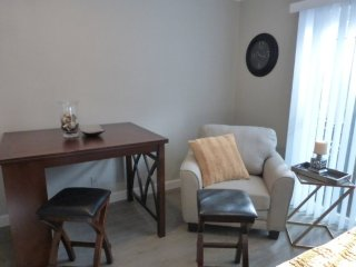 WONDERFUL AND STYLISH 1 BEDROOM APARTMENT IN BURLINGAME, Burlingame