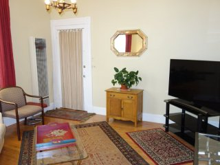 Furnished 1-Bedroom Apartment at Divisadero St & Waller St San Francisco