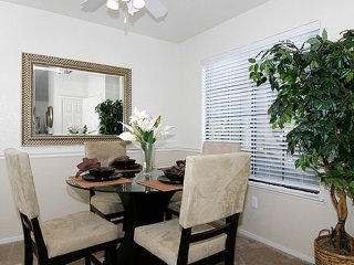 Furnished 1-Bedroom Apartment at Garden Hwy & Gateway Oaks Dr Sacramento