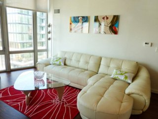 MODERN AND BRIGHT 2 BEDROOM APARTMENT, Washington