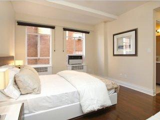 Neat and Sleek 2 Bedroom, 2 Bathroom Apartment Near Central Park, New York City