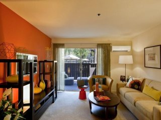 Charming and Pleasant 2 Bedroom Apartment in Pleasanton