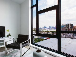LUXURIOUS AND MODERN 2 BEDROOM APARTMENT IN JERSEY CITY, Jersey City