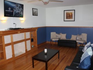 Stunning Luxury Apartment With 3 Bedrooms, 2 Bathroom in Chicago