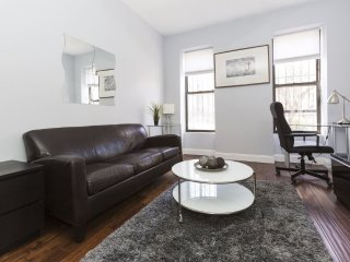 Furnished 2-Bedroom Townhouse at 6th Ave & 11th St Brooklyn, Newark