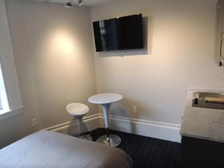 Clean and Nice Beacon Hill Studio Apartment - Kitchenette Only, Boston