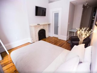 Cozy Studio Apartment in Beacon Hill Near Park St Station, Boston